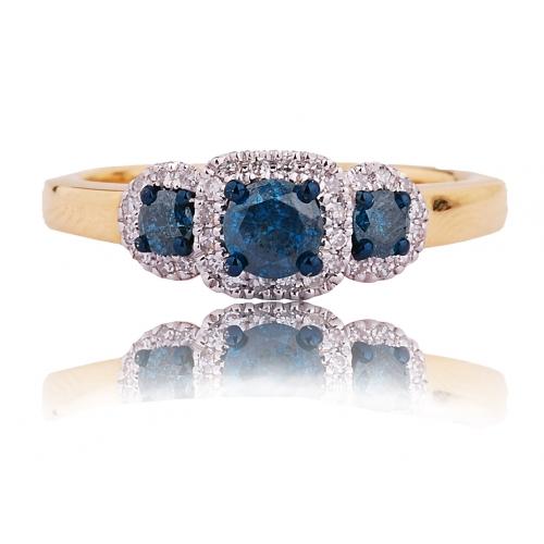 Pierścionek z niebieskimi brylantami
