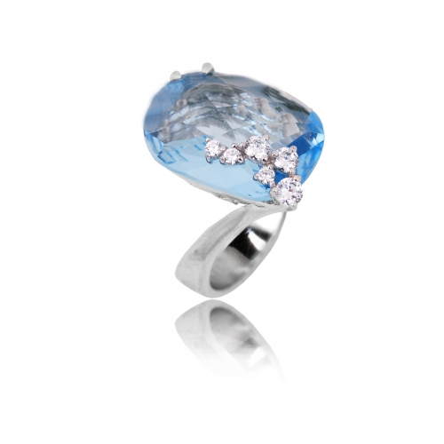 Pierścionek srebrny z kryształem Swarovski NIEBIESKI
